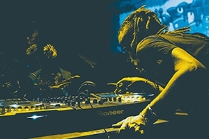 How to get DJ gigs - 38 different ways