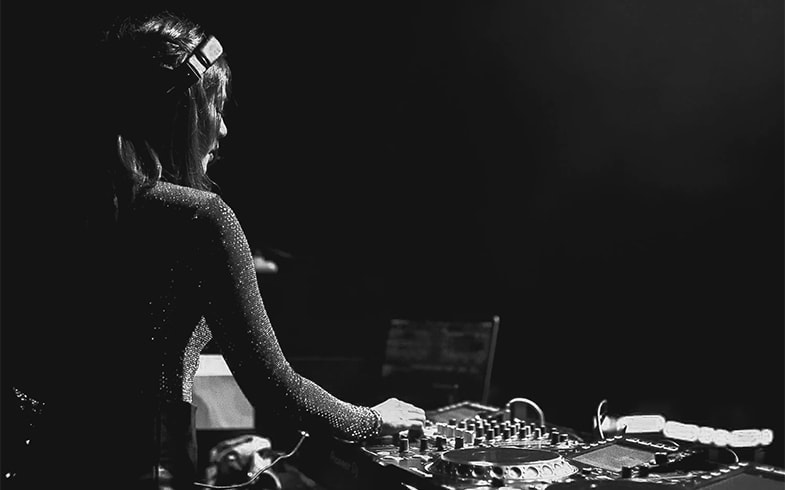 Is DJing a good hobby?