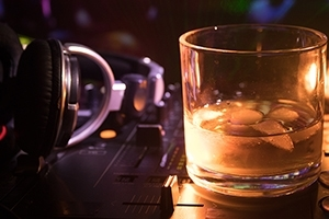 Tips for DJing a Bar